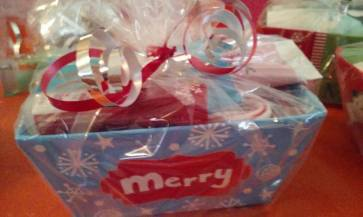 Mrs albee naturallybeautifultips christmas basket avon negle Images